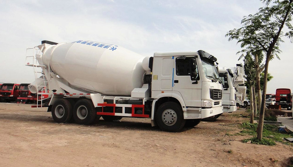 SINOTRUK HOWO 6X4 8CMB MIXER / MIXING TRUCK SPECIFICATIONS & PRICES.