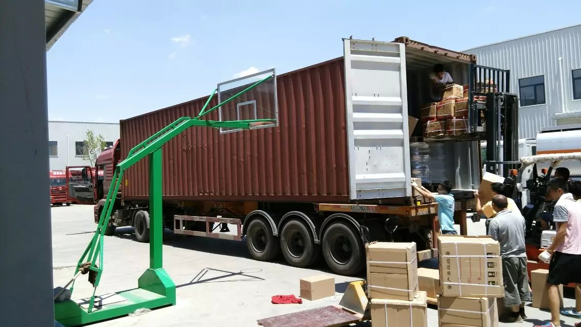 Container Loading --sinotruk parts