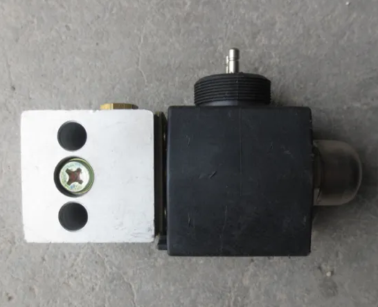 WG9719710004, MAGNETIC VALVE, HOWO PARTS