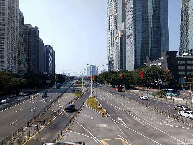1- virus wuhan china empty city